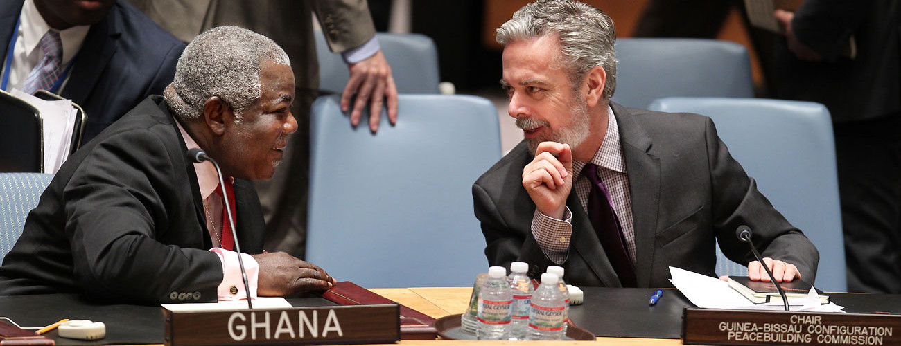 Ambassador Antonio De Aguiar Patriota (right) speaks with Ambassador Ken Kanda of Ghana during Security Council discussions on the situation in Guinea-Bissau, February 5, 2015.