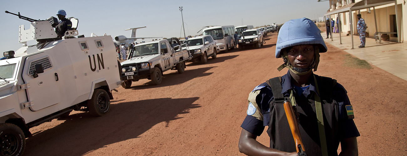 MINUSMA peacekeepers on duty as UN Security Council members visit Mali. Bamako, Mali, February 2, 2014. (UN Photo).