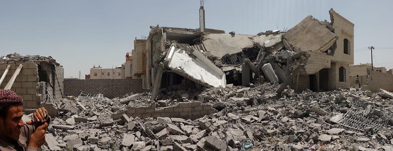 The wreckage of a house destroyed by Saudi-led bombing. Sanaa, Yemen, June 13, 2015 (Ibrahem Qasim)