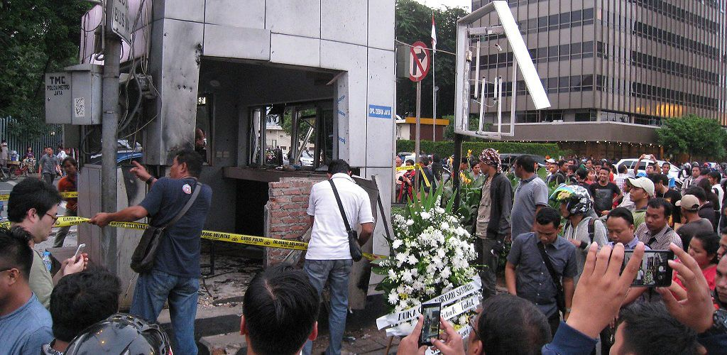 Damaged police box caused by suicide bomb attack in front of Sarinah Building. Jakarta, Indonesia, January 14, 2016. (Gunawan Kartapranata)