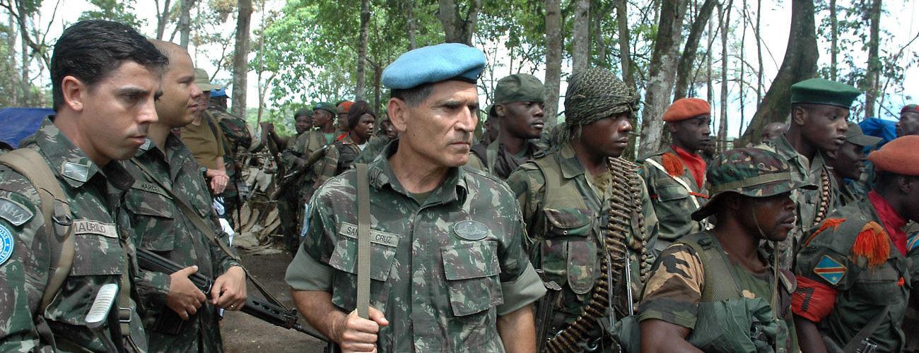 Resultado de imagem para Carlos Alberto dos Santos Cruz